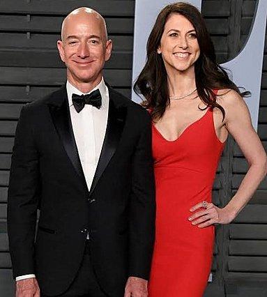 Jeff Bezos: Μια νέα  καυτή  σύντροφος κρύβεται πίσω από το διαζύγιο του μεγιστάνα