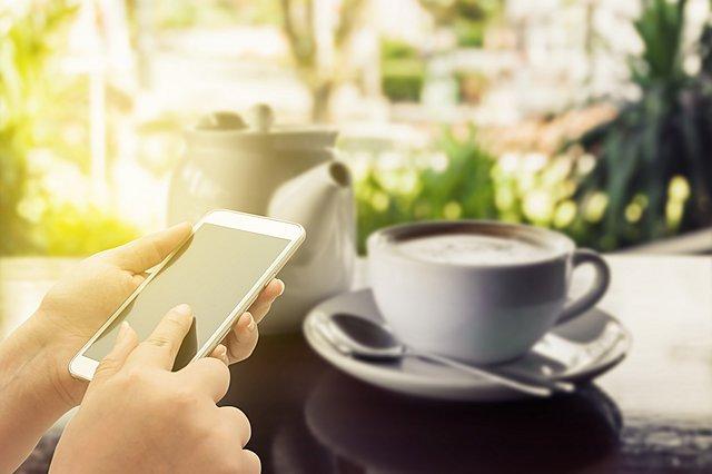 Πώς να κρατήσεις το κινητό σου καθαρό από μικρόβια