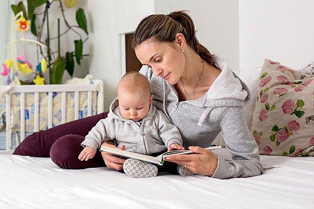 Διαβάζεις στο παιδί σου από μωρό; Του προσφέρεις περισσότερα από όσα φαντάζεσαι