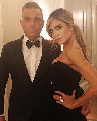 Robbie Williams: Η αξιολάτρευτη κόρη του τραγουδάει και αποκαλύπτει τα... μυστικά του [video]