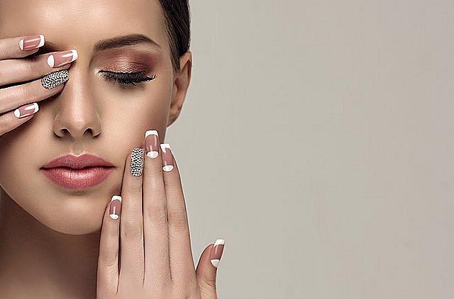 Διαγωνισμός - Womenonly.gr: Αυτές είναι οι 5 τυχερές που κερδίζουν ημιμόνιμο μανικιούρ στο Nail Salon By Kallia!