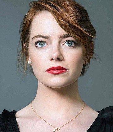 H Emma Stone άλλαξε χρώμα μαλλιών