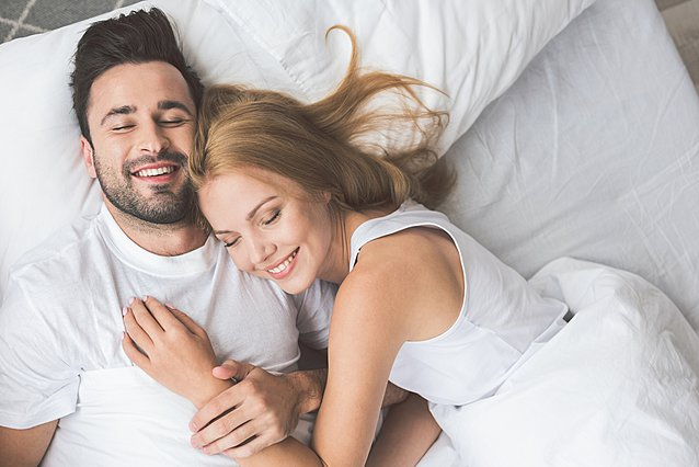 Αυτός είναι ο λόγος για τον οποίο κοιμάσαι καλύτερα σε λευκά σεντόνια