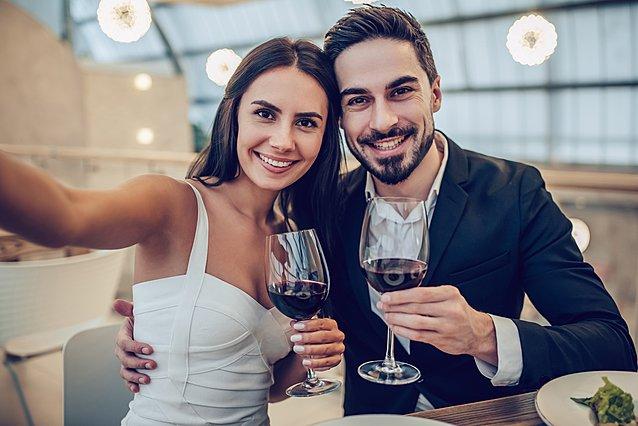 Τα 10 πιο ενοχλητικά πράγματα που κάνουν τα ζευγάρια στα social media την Ημέρα του Αγίου Βαλεντίνου