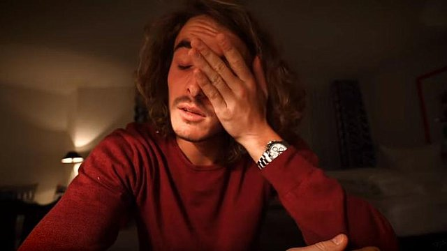 Tα δάκρυα του Στέφανου Τσιτσιπά μπροστά στην κάμερα: «Η ημέρα που έπρεπε να πεθάνω»! [Βίντεο]