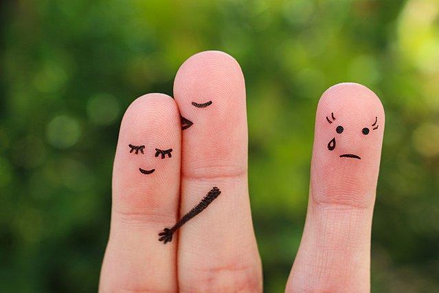 Ο πραγματικός λόγος για τον οποίοι απιστούν κάποιοι άνθρωποι μπορεί να αλλάξει την ιδέα σου για την απιστία