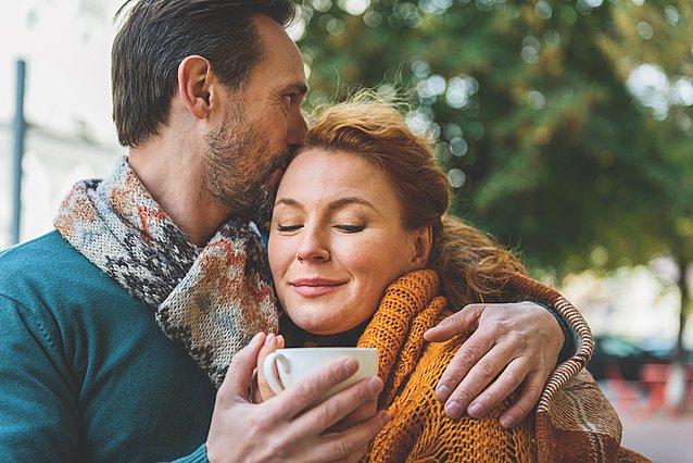 Το ένα -απλό- πράγμα που κάνουν όλα τα ευτυχισμένα ζευγάρια