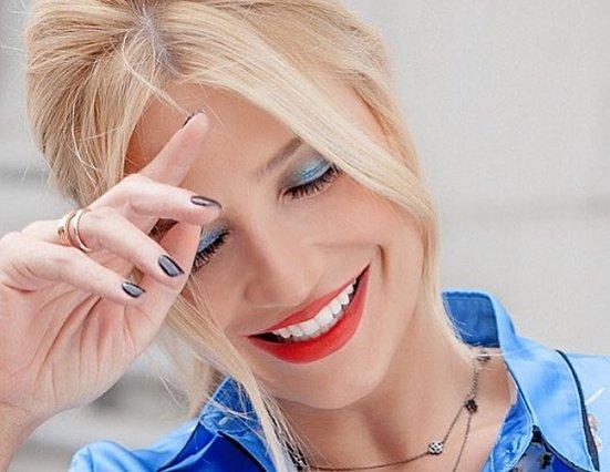 Φαίη Σκορδά: «Άσχημο πράγμα να είσαι μόνος»! [Βίντεο]