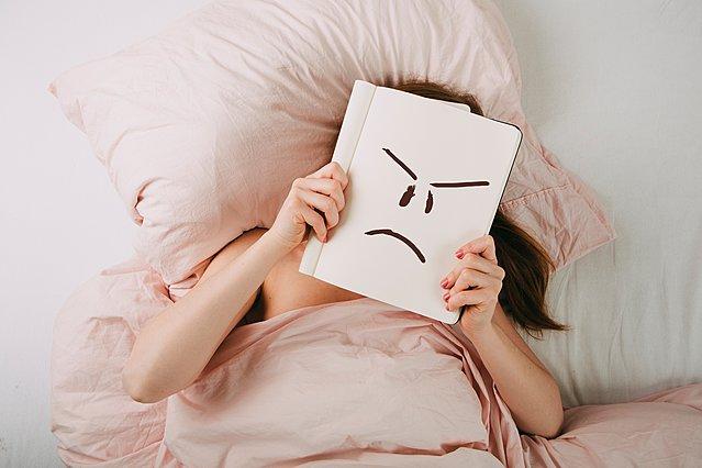 Νιώθεις συνεχώς θυμωμένη: Τι φταίει και πώς μπορείς να το αντιμετωπίσεις