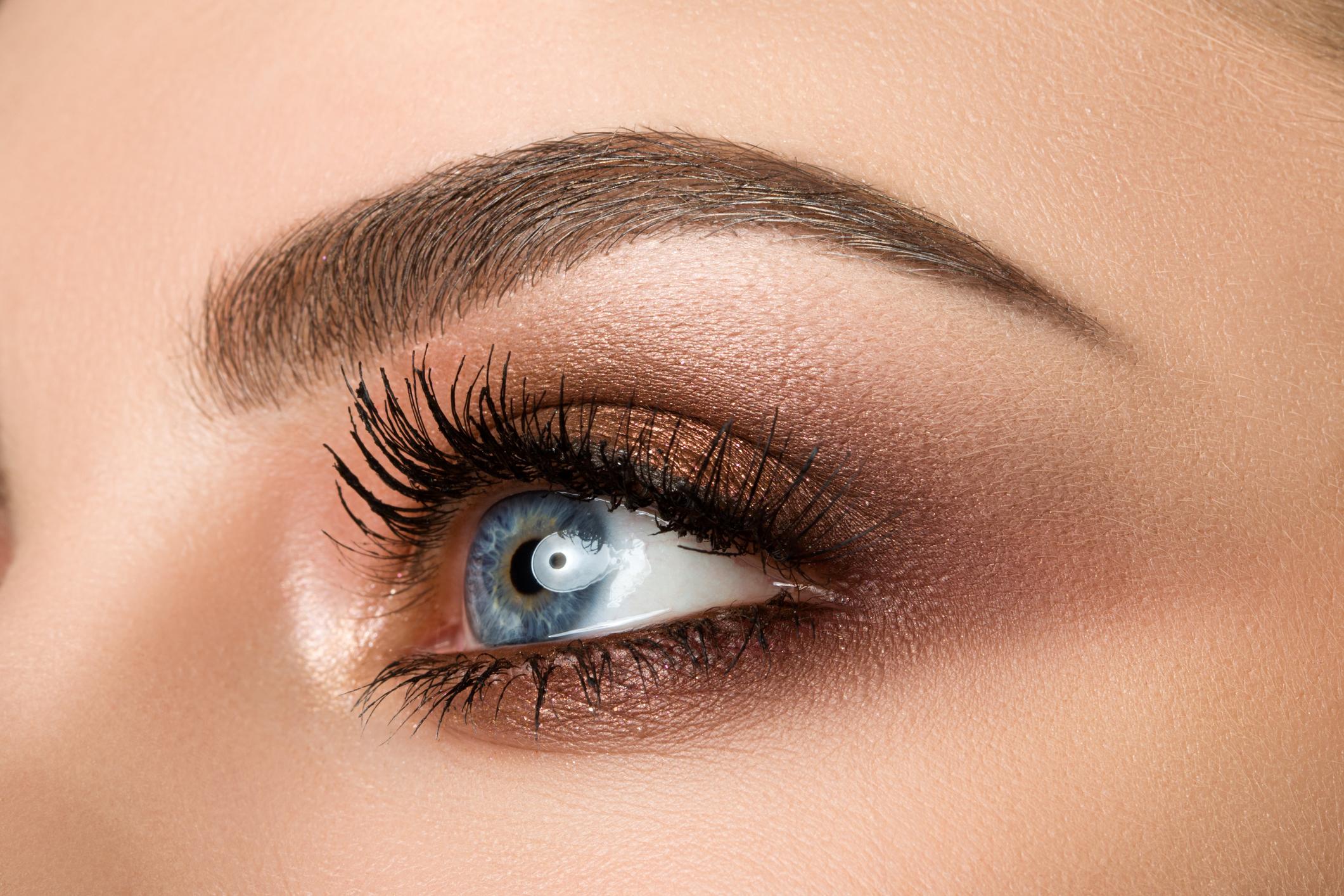 9b76853524cd Ποια σκιά να προτιμήσεις σύμφωνα με το χρώμα των ματιών σου ...