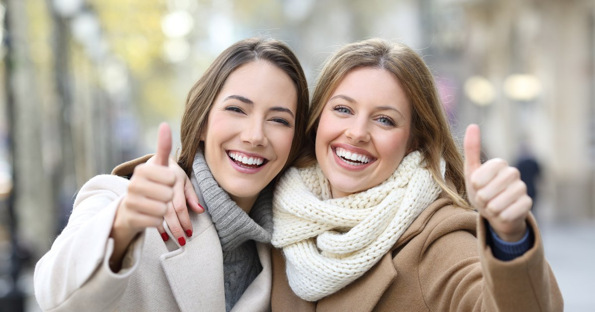7 λόγοι γιατί το να βγαίνεις με μια κοπέλα αδελφότητας είναι καλύτερο