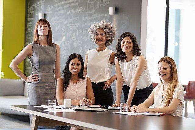 Ημέρα της Γυναίκας: 5 τρόποι για να τη γιορτάσεις με ουσία