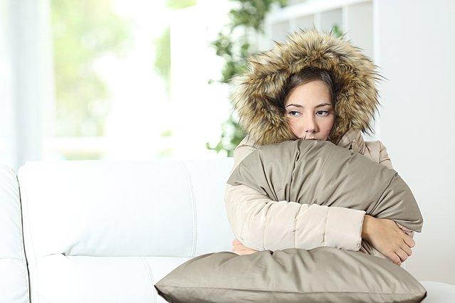 Χιονιάς Νο 2: Έξυπνα κόλπα για να κρατήσεις το σπίτι σου ζεστό χωρίς έξτρα κόστος