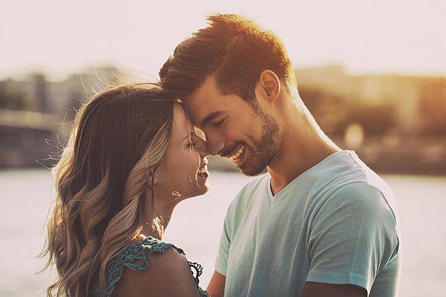 Η επιστήμη μίλησε: Ζευγάρια με μακροχρόνιες σχέσεις ζουν περισσότερο