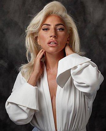 Lady Gaga: Το αναπάντεχο beauty look που λάνσαρε στην τελευταία της εμφάνιση