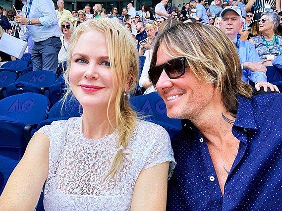 <p>Μία πρόσφατη εμφάνιση με τον σύζυγό της, Keith Urban, όταν ήταν ακόμη ξανθιά.</p>