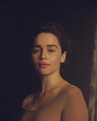 <p>Η Emilia Clarke φωτογραφημένη από την Carlotta Guerrero για το περιοδικό New Yorker</p>