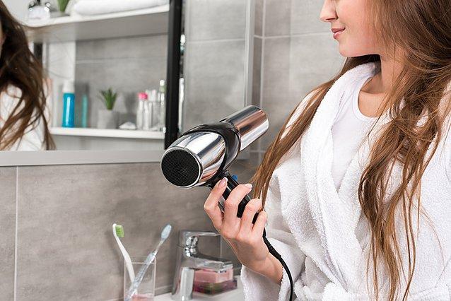 Μήπως πρέπει να αλλάξεις πιστολάκι μαλλιών;