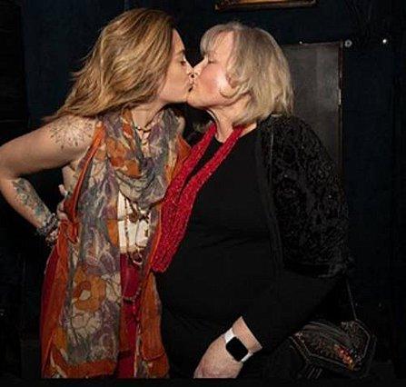 Paris Jackson: Η δύσκολη παράσταση και η στήριξη της μητέρας της [photos]