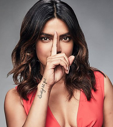 Priyanka Chopra: Η makeup artist της σταρ αποκαλύπτει τα μυστικά ομορφιάς της