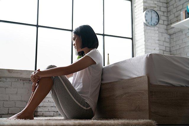 Αισθάνεσαι άσχημα όταν είσαι μόνη σου; Υπάρχει εξήγηση