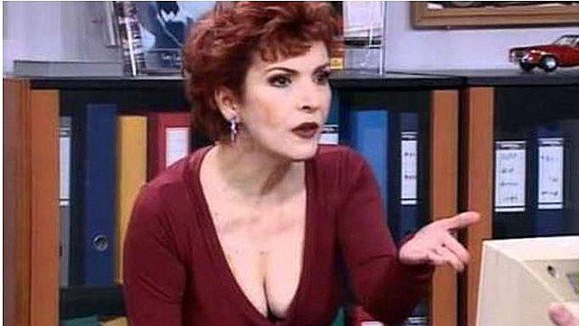 Η επανεμφάνιση της Ασπασίας Τζιτζικάκη: «Στην TV προσλάμβαναν πρώτα το ντεκολτέ μου και μετά εμένα»! [Βίντεο]