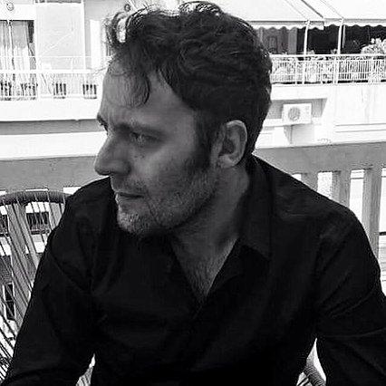 Αύγουστος Κορτώ: Συγκλονίζει η φωτογραφία του λίγο μετά την απόπειρα αυτοκτονίας και το μήνυμά του