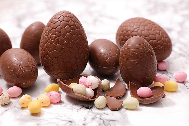 Έχεις ακόμη σοκολατένια αυγά από το Πάσχα; Ετοίμασε σε 15 λεπτά ένα λαχταριστό fondue