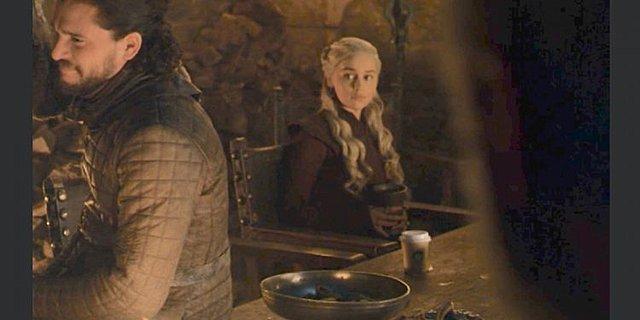 Game of Thrones: Η επική γκάφα με τον καφέ της Daenerys και η απάντηση του HBO [video]