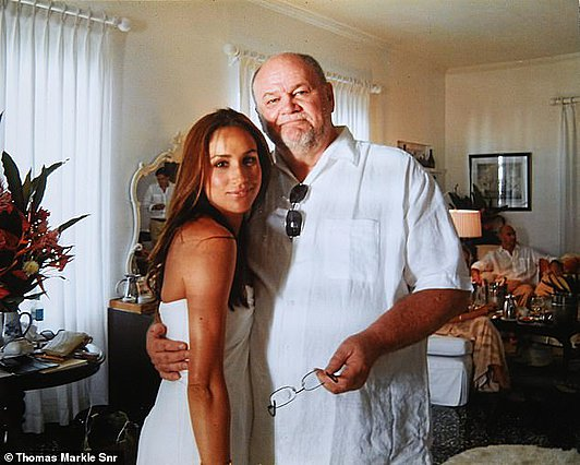 <p>Η φωτογραφία αυτή είναι από το προσωπικό αρχείο του Thomas Markle και είχε δωθεί από τον ίδιο στη δημοσιότητα λίγο πριν από τον γάμο της κόρης του με τον πρίγκιπα Harry.</p>