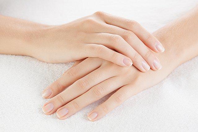 9 περιπτώσεις που τα νύχια αποκαλύπτουν προβλήματα στην υγεία σου