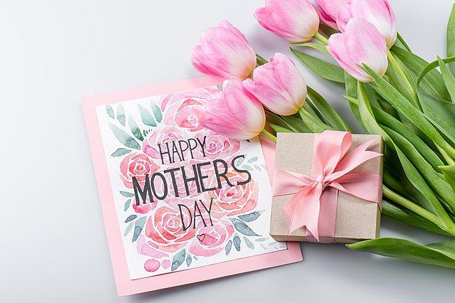 Γιορτή της μητέρας: 8 τέλειες ιδέες δώρων για τη μαμά σου