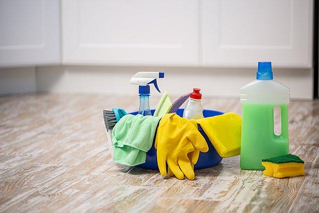 Μυρίζει δυσάρεστα το σπίτι μετά το σφουγγάρισμα; Ιδού τι μπορείς να κάνεις