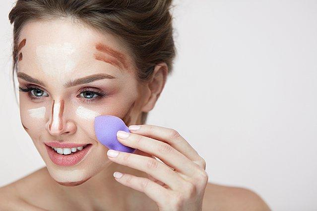 4 εναλλακτικές χρήσεις του beauty blender