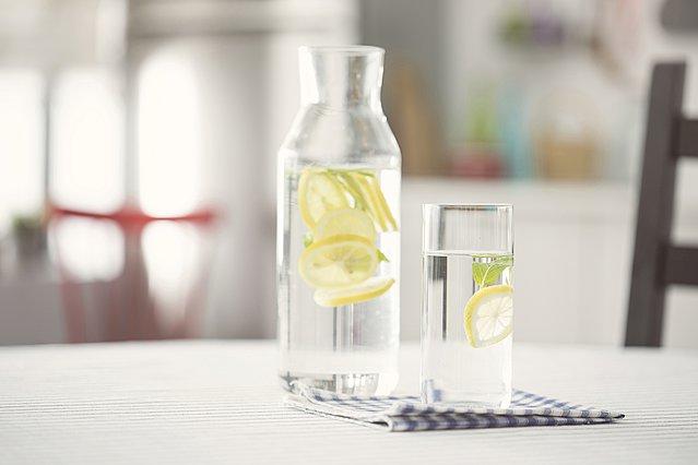Τελικά το νερό με το λεμόνι βοηθάει ή όχι στην απώλεια βάρους;