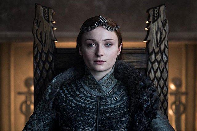 Η Sophie Turner στρέφεται κατά των οπαδών του Game of Thrones που αντέδρασαν για το φινάλε της σειράς