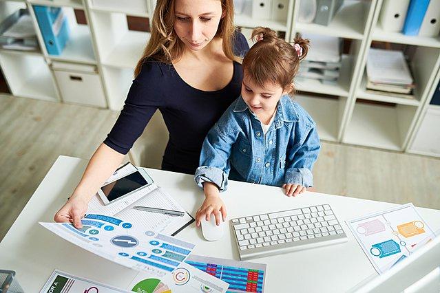 Έρευνα δείχνει ότι τα παιδιά των εργαζόμενων μητέρων γίνονται πιο ευτυχισμένοι ενήλικες