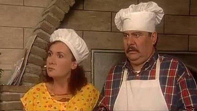 «Λευτέρης» και «Κανέλα» συναντήθηκαν ξανά: Αγνώριστοι οι πρωταγωνιστές 16 χρόνια μετά το «Καφέ»!