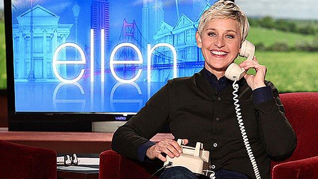 Ντοκουμέντο: Η Ellen deGeneres με μακρύ καρό φόρεμα στον χορό του σχολείου της
