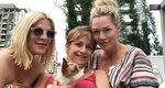 Donna, Andrea & Kelly: Τα κορίτσια του Beverly Hills ποζάρουν χωρίς ίχνος μακιγιάζ με τα μαγιό τους [photo]
