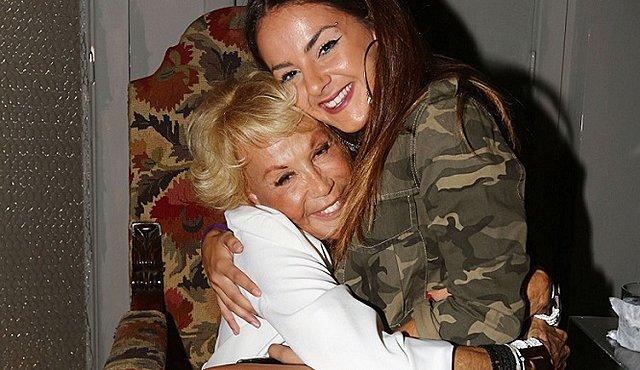 Χείμαρρος η Ζένια Μπονάτσου για Μαρία Ελένη και Λυκουρέζο: «Πήραν τα λεφτά της γιαγιάς μου χωρίς να το ξέρει η μάνα μου...» [Bίντεο]