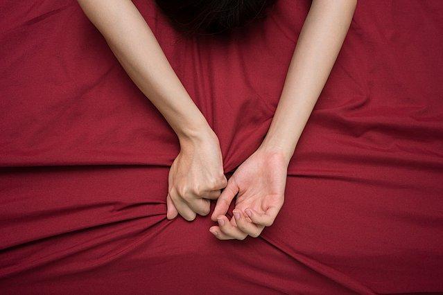 Έρευνα: Πόσα λεπτά χρειάζεται μια μέση γυναίκα για να φτάσει σε οργασμό