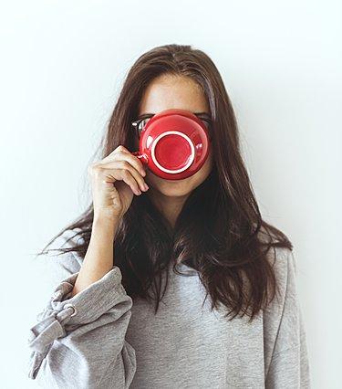 Πίνεις πολλούς καφέδες την ημέρα; Ποιο είναι το όριο για να μην απειλήσεις την υγεία σου