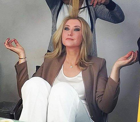 Η Σία Κοσιώνη άλλαξε τα μαλλιά της - Το νέο, καλοκαιρινό look είναι απίθανο [photo]