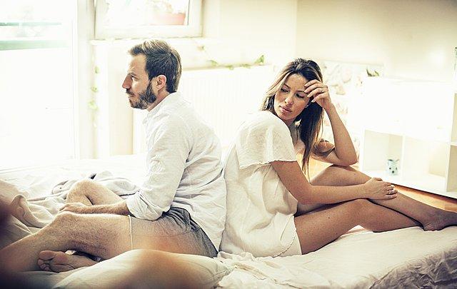 12 πράγματα σε μια σχέση που ίσως κάνουν μεγαλύτερη ζημιά από την απιστία