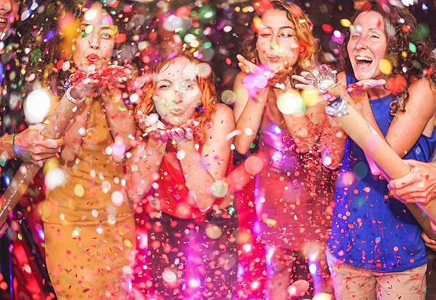 Αυτά τα 4 ζώδια μπορούν να γίνουν η ψυχή του πάρτι οπότε μην αμελήσεις να τα καλέσεις