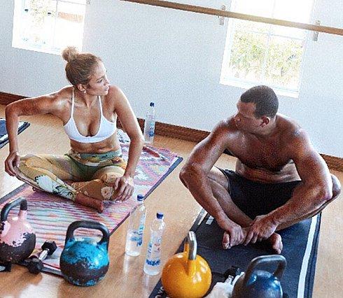 Jennifer Lopez και Alex Rodriguez: Έτσι «χτίζουν»... κορμιά στο γυμναστήριο [video]