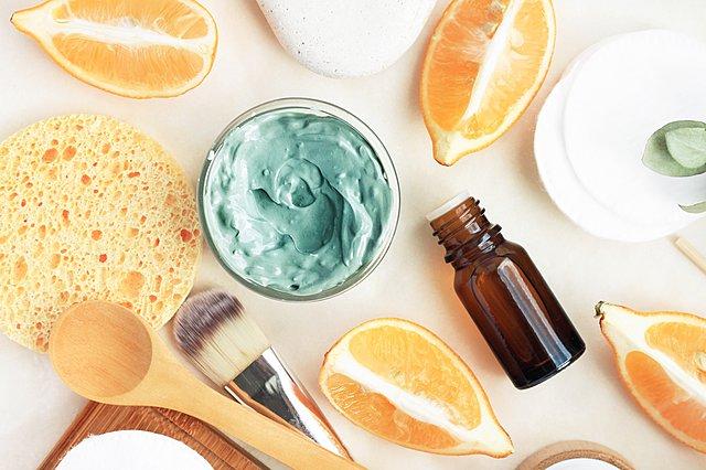 Η συνταγή για DIY scrub για λαμπερό πρόσωπο