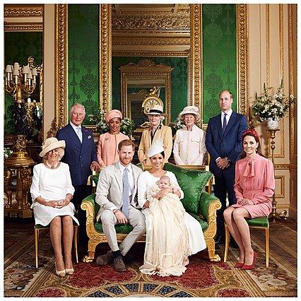 Δυσαρέσκεια για την «ασεβή» στάση του William στην οικογενειακή φωτογραφία της βάπτισης του Archie