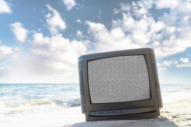 Τέσσερις τηλεοπτικές πρεμιέρες την ερχόμενη εβδομάδα - Ποιοι θα κάνουν καλοκαίρι στην Αθήνα;
